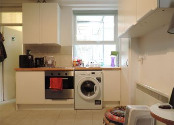 Thumbnail 1 bed flat to rent in Preston Close, London SE1,