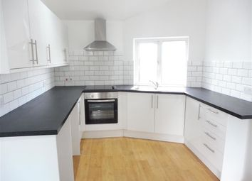 Thumbnail 2 bed flat to rent in Moreton Road, South Croydon