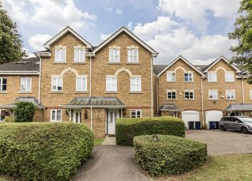 Thumbnail 4 bed property for sale in Chelsea Gardens, London