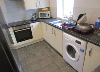 Thumbnail 3 bed flat to rent in Crompton Street, Derby