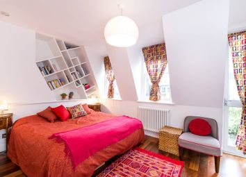 Thumbnail 2 bed flat for sale in Upcerne Road, Chelsea