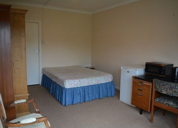 Thumbnail Room to rent in Park Avenue, Potters Bar