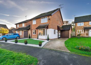Thumbnail 5 bed detached house for sale in Chatelet Close, Horley, Surrey