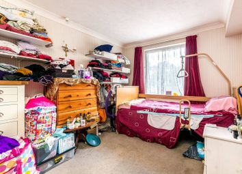 1 bed flat for sale in Jews Walk, Sydenham, London SE26