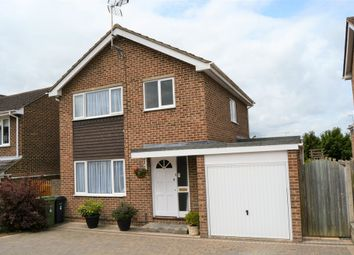 Thumbnail 3 bedroom detached house for sale in Chestnut Avenue, Faringdon