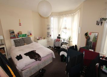 Thumbnail 3 bed flat to rent in Listria Park, London