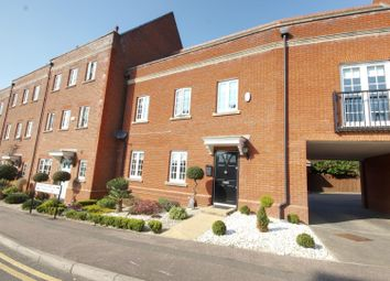 2 bed flat for sale in Vaughan Williams Way, Warley, Brentwood CM14