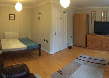 Thumbnail Room to rent in Neave Mews, Abingdon
