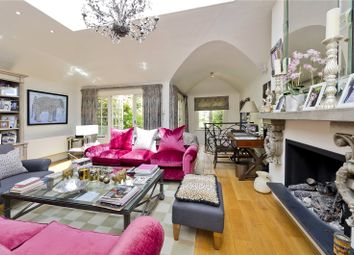 Thumbnail 2 bed mews house for sale in Groom Place, London