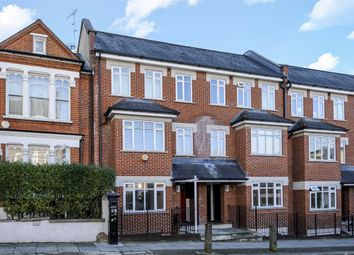 Thumbnail 2 bed flat to rent in Barnard Road, London