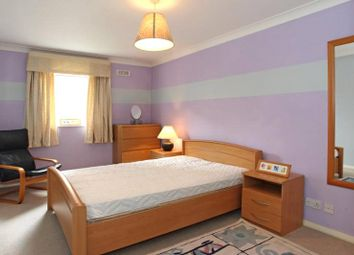 Thumbnail 1 bed flat to rent in Campania, London