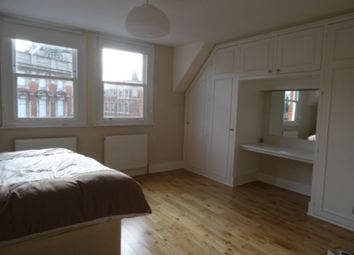 Thumbnail 2 bed flat to rent in Lavender Hill, Clapham