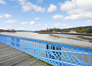 2 bed flat for sale in High Street, Chatham, Kent ME4