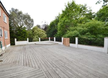 Thumbnail 1 bed flat to rent in 59 Southbourne Crescent, Hendon, London