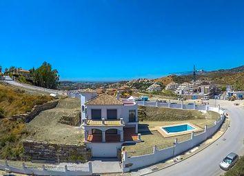 Thumbnail 3 bed villa for sale in Urbanización Nueva Andalucía 29660, Marbella, Málaga