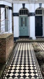 Thumbnail 1 bed flat to rent in Worlingham Road, East Dulwich, London