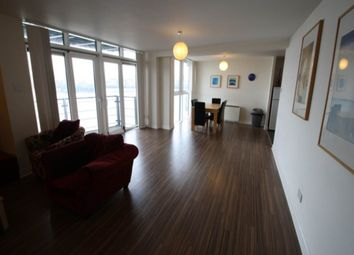 3 bed flat to rent in Inverness Mews, London E16