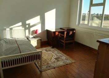 Thumbnail Room to rent in Royston Gardens, Redbridge