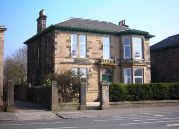 Thumbnail 3 bed flat to rent in Renfrew Road, Paisley