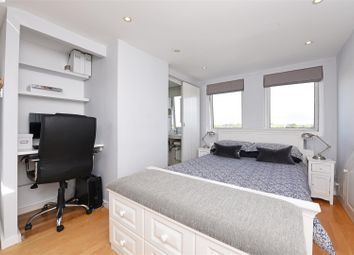 Thumbnail 2 bed flat to rent in Upper Richmond Road West, East Sheen, London