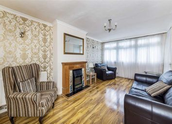 Thumbnail 4 bed flat for sale in Ben Jonson Road, London
