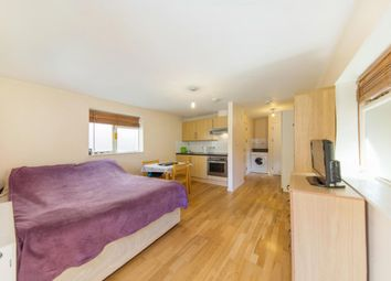Thumbnail Studio to rent in Camberwell Road, London