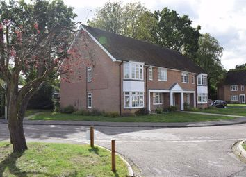Heathfield Court, Fleet, Hampshire GU51. 2 bed flat