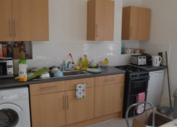 Thumbnail 5 bed flat to rent in Camden Road, London