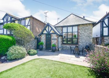 Bannings Vale, Saltdean, Brighton, East Sussex BN2. 3 bed barn conversion