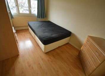 Thumbnail Room to rent in Knollmead, Tolworth, Surbiton