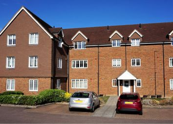 Thumbnail 2 bedroom flat for sale in London Road, Hemel Hempstead