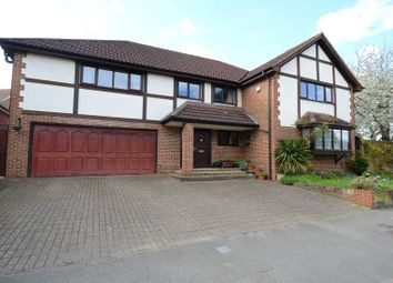 Thumbnail 6 bedroom detached house for sale in Hildens Drive, Tilehurst, Reading