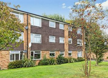 Thumbnail 2 bed flat to rent in Ridgebank, Slough