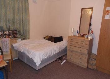 Thumbnail 6 bed detached house to rent in Kingston Lane, Uxbridge