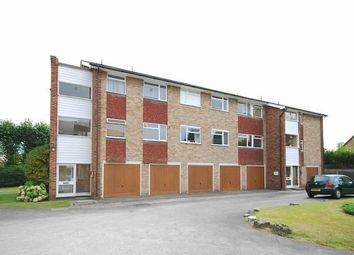 Thumbnail 2 bed property to rent in Hillbrow Road, Esher