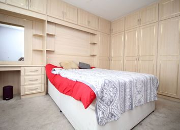 Thumbnail Room to rent in Kingston Crescent, Ashford
