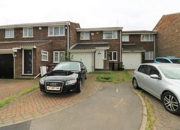3 bed terraced house to rent in Wolston Close, Luton LU1