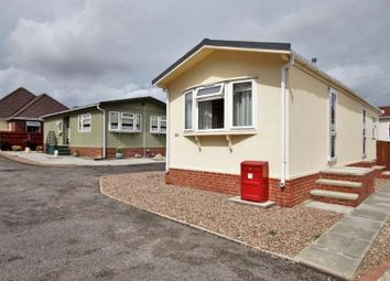 2 bed mobile/park home for sale in Stone Valley Court, Waddington, Lincoln LN5