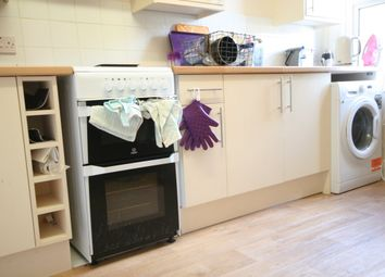 Thumbnail 2 bed flat to rent in Broad Street, Chesham