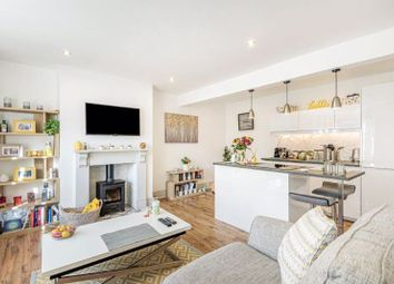 2 bed flat for sale in Carlos Street, Godalming GU7
