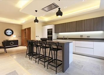 Thumbnail 3 bed flat to rent in Eliza House, Glasshill Street, London