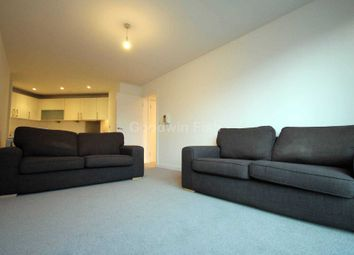 2 bed flat to rent in Spectrum, Blackfriars Road, Blackfriars M3