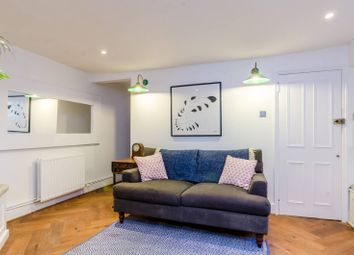 Thumbnail 2 bed flat to rent in Old Ford Road, Bethnal Green