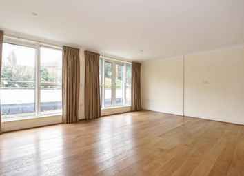 Thumbnail 2 bed flat to rent in Broughton Avenue, Finchley N3,