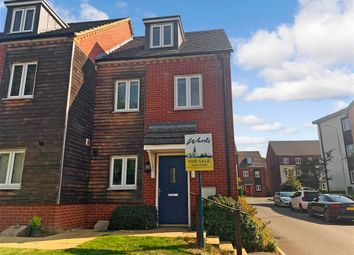 Melrose Close, Loose, Maidstone, Kent ME15. 3 bed semi-detached house