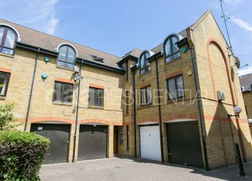 Thumbnail 2 bed flat to rent in Roding Mews, Wapping, London