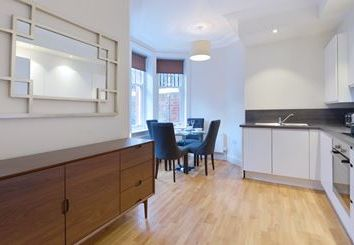 1 bed flat to rent in Hamlet Gardens, Hammersmith, London W6