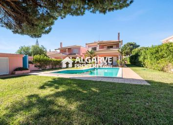 Thumbnail 4 bed villa for sale in Vilamoura, Quarteira, Algarve