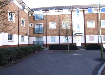 Thumbnail 2 bed flat to rent in Eddington Crescent, Welwyn Garden City