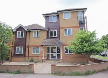 Thumbnail 2 bed flat to rent in Meadow Road, Farnborough